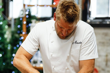 Curtis Stone Curtis Stone Unveils Coles' Christmas Stone