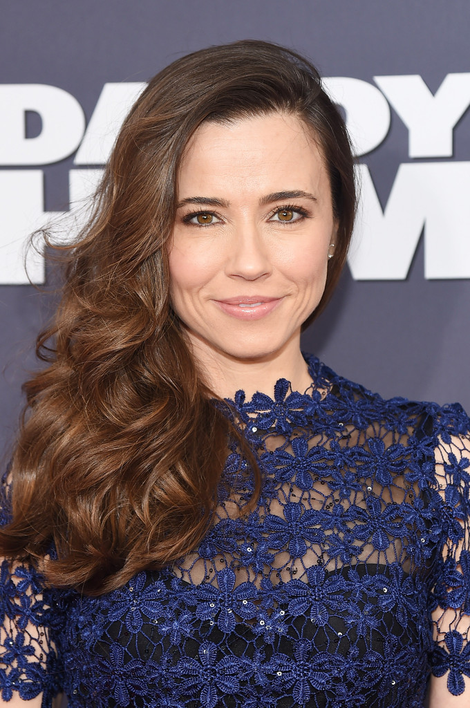 Linda Cardellini Photos Photos - 'Daddy's Home' New York ...