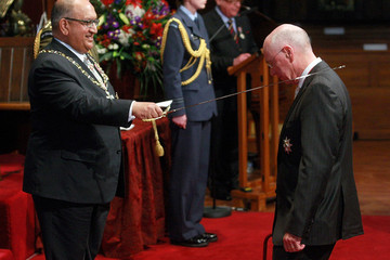 Sir Stephen Tindall Dames And Knights Return To New Zealand Honours System