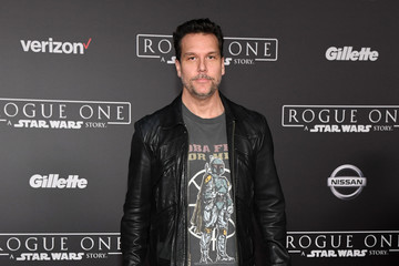 Dane Cook Premiere of Walt Disney Pictures and Lucasfilm's 'Rogue One: A Star Wars Story' - Arrivals