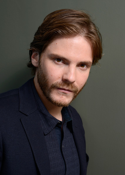 Daniel Bruhl Photos Photos - 'The Fifth Estate' Portraits ...