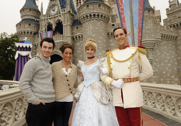 Kevin Jonas And Danielle Celebrate Their First Wedding Anniversary At Disney S Magic Kingdom
