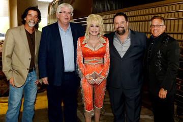 Danny Nozell Dolly Parton Performs in Knoxville
