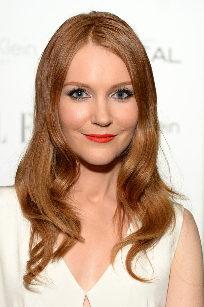 http://www2.pictures.zimbio.com/gi/Darby+Stanchfield+Cocktail+Hour+ELLE+Women+3IBoonvcW2Jx.jpg