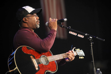 Darius Rucker CBS RADIO's Third Annual 'Stars and Strings' Concert Honoring Our Nation's Veterans, Nov. 15 at the Chicago Theatre - Meet & Greet