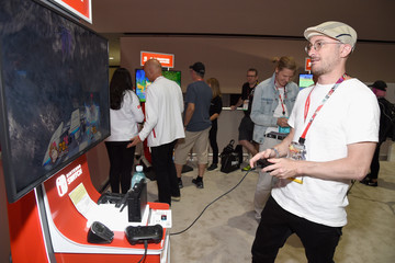 Darren Aronofsky Nintendo Hosts Celebrities At 2018 E3 Gaming Convention