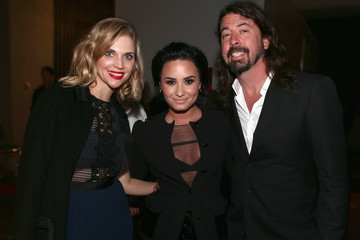 Dave Grohl Jordyn Blum 2016 MusiCares Person of the Year Honoring Lionel Richie - Backstage and Audience