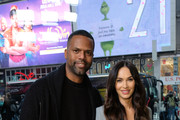 "Television personality A. J. Calloway (L) interviews Actress/model Megan Fox pose for a picture at ""Extra"" on November 28, 2018 in New York City."