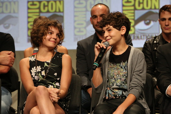 David Mazouz And Camren Bicondova Photos Photos Warner