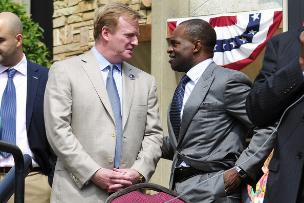 Roger Goodell with DeMaurice Smith