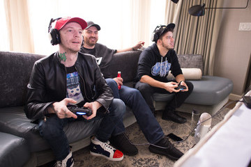 Deadmau5 Deadmau5 Takes on Typical Gamer in Call of Duty: Black Ops 3