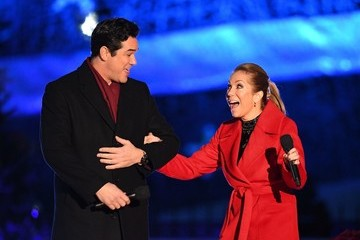 Dean Cain President And Mrs Trump Attend National Christmas Tree Lighting Ceremony