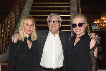 Debbie Harry Marc Jacobs - Front Row - Spring 2016 New York Fashion Week