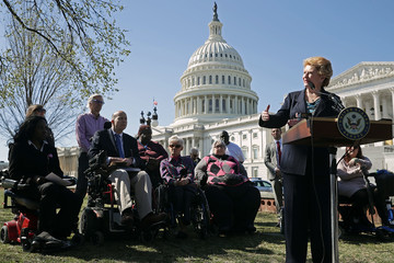 Debbie Stabenow Senate Democrats Call on GOP to Stop Repeal of Affordable Care Act