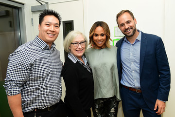 Deborah Cox Deborah Cox Teams Up With Starlight Children's Foundation to Bring Joy to Sick Kids at LAC+USC Medical Center