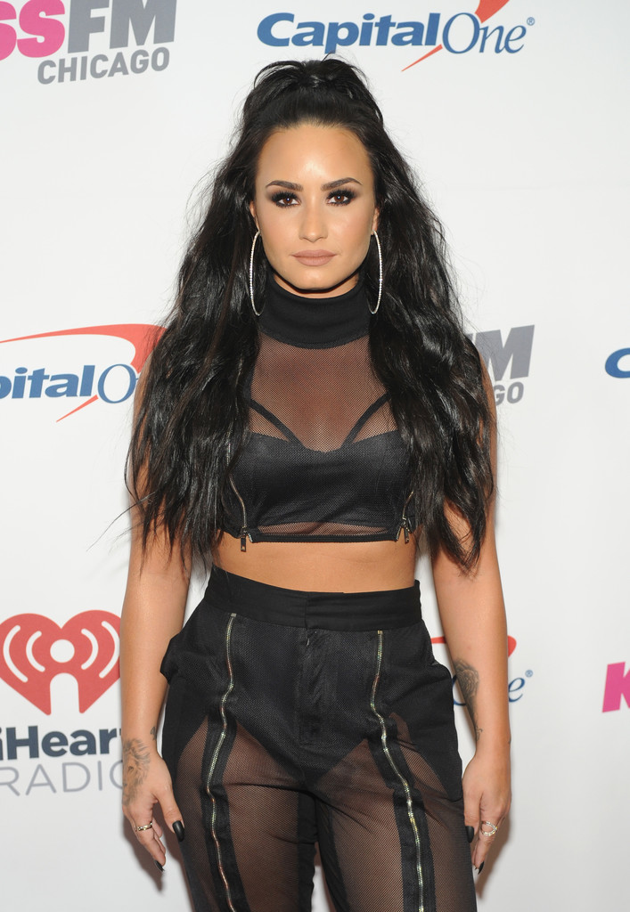 Demi+Lovato+103+5+KISS+FM+Jingle+Ball+2017+PjgYH94aq1bx.jpg