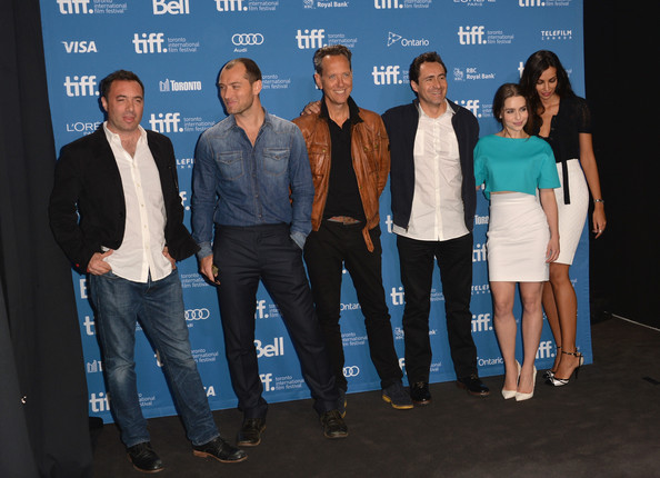 'Dom Hemingway' Press Conference in Toronto [social group,event,team,jeans,l-r,press conference,2013 toronto international film festival,richard shepard,dom hemingway,richard e. grant,demian bichir,jude law,emilia clarke,madalina ghenea]