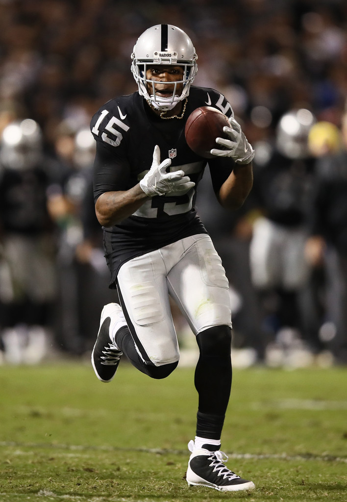 Oakland Raiders Nail Art: Michael Crabtree In Denver Broncos V Oakland Raiders