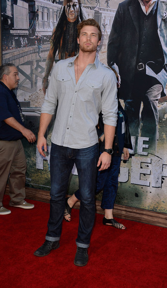 Derek Theler Photos Photos - Premiere Of Walt Disney ...