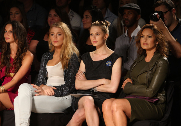 Blake Lively Actresses Blake Lively (L) and Mariska Hargitay (R) attend
