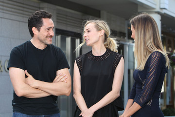Diane Kruger Demian Bichir Diane Kruger and Demian Bichir Stop by 'Extra'