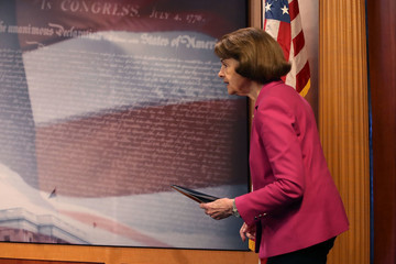Dianne Feinstein Senate Democrats Introduce 'Keep Families Together Act' For Migrants