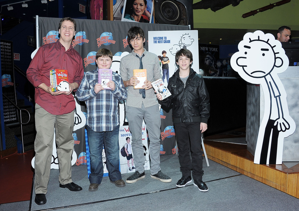 Devon Bostick Jeff Kinney Robert Capron Zach Gordon Devon Bostick Photos Diary Of A Wimpy Kid Rodrick Rules Cast Visits Planet Hollywood Zimbio