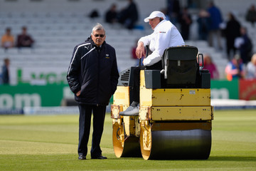 Dickie Bird England v New Zealand: 2nd Investec Test - Day Two