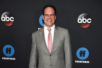 Diedrich Bader 2018 Disney, ABC, And Freeform Upfront