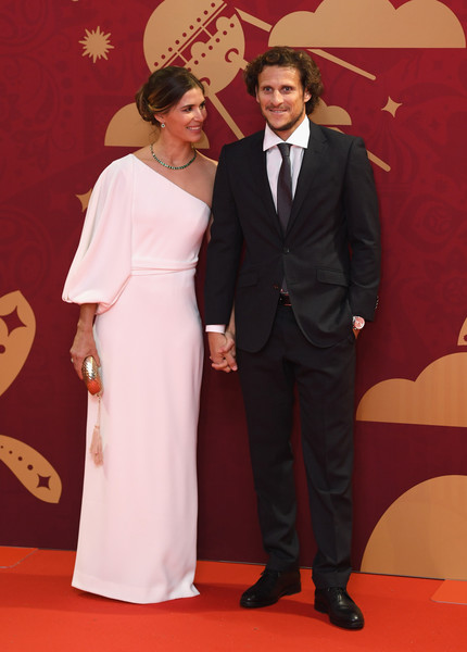 Final Draw for the 2018 FIFA World Cup Russia [red carpet,carpet,formal wear,suit,flooring,tuxedo,event,premiere,diego forlan,paz cardoso,draw,2018 fifa world cup,russia,state kremlin palace,moscow]