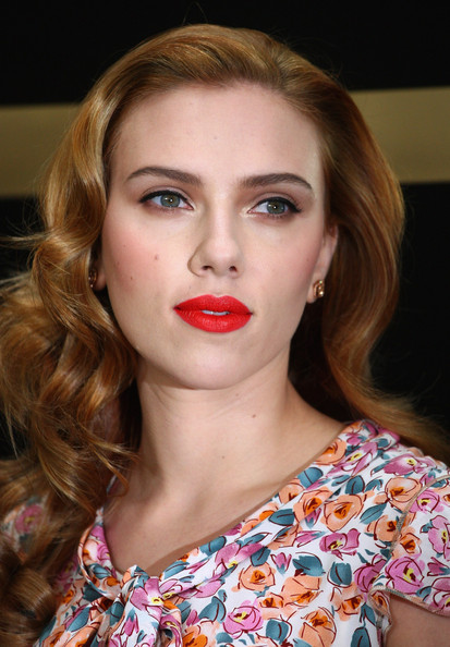 scarlett johansson hairstyle. Scarlett+Johansson in Dolce & Gabbana: The Make Up - Scarlett Johansson