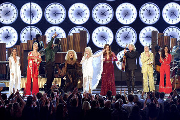 Dolly Parton Linda Perry 61st Annual Grammy Awards - Inside