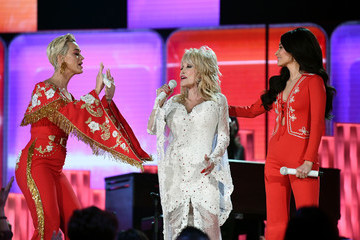 Dolly Parton *** Local Caption *** Kacey Musgraves 2019 Getty Entertainment - Social Ready Content