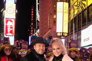 Donnie Wahlberg New Year's Eve 2017 In Times Square