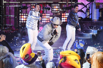 Donnie Wahlberg Danny Wood Times Square New Year's Eve 2019 Celebration