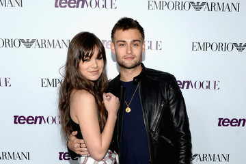 Douglas Booth Hailee Steinfeld Teen Vogue Young Hollywood Party