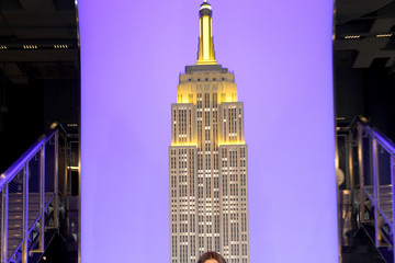 Drew Barrymore Empire State Building Celebrates Launch of The Drew Barrymore Show
