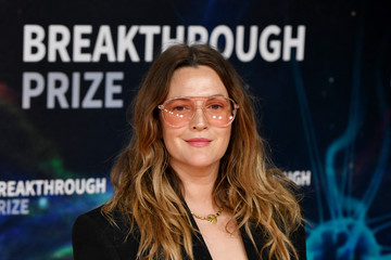 Drew Barrymore 2020 Breakthrough Prize - Red Carpet