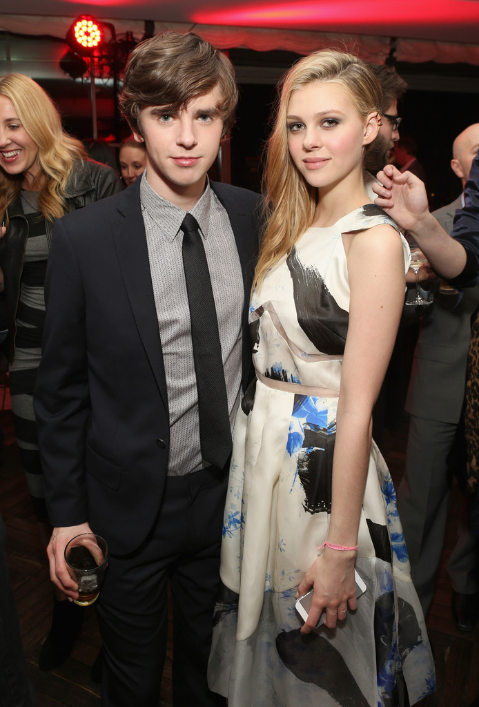 Nicola peltz photos photos 39 bates motel 39 premiere after for Freddie highmore movies and tv shows