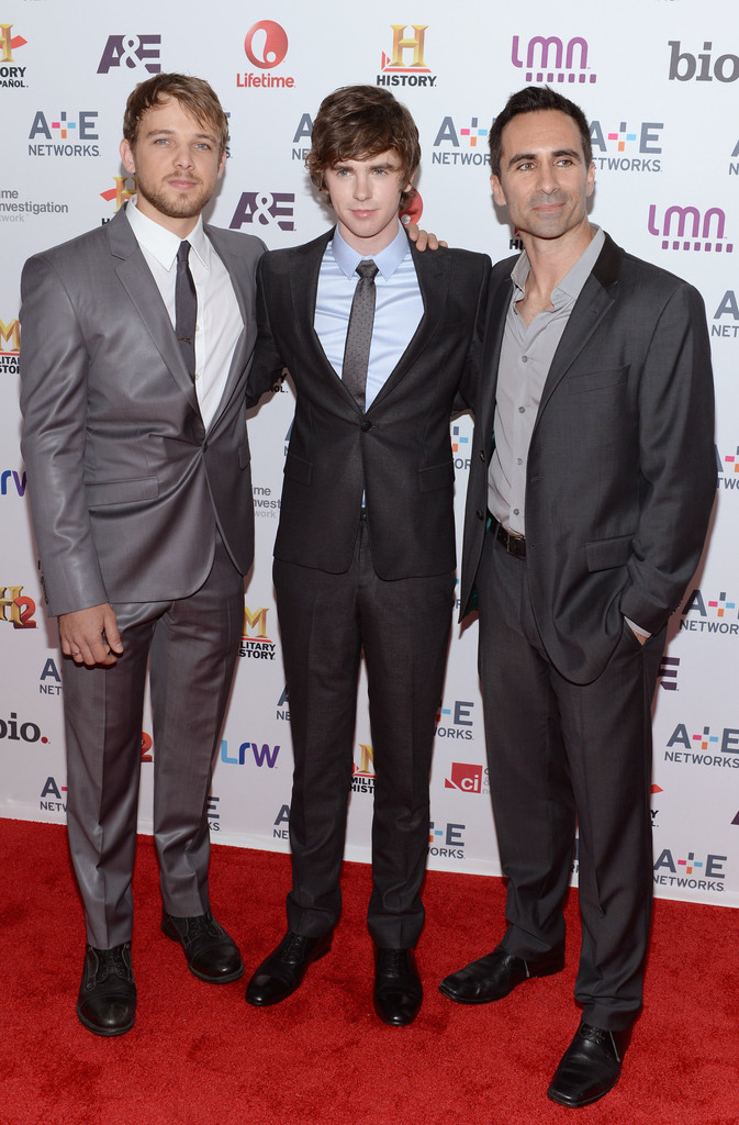 Freddie highmore photos photos arrivals at the a e for Freddie highmore movies and tv shows