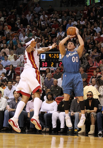 eddie house and mike bibby relationship