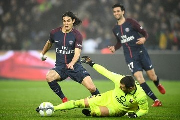 Edinson Cavani Paris Saint Germain v SM Caen - Ligue 1