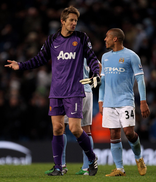 ... league in this photo edwin van der sar nigel de jong edwin van der
