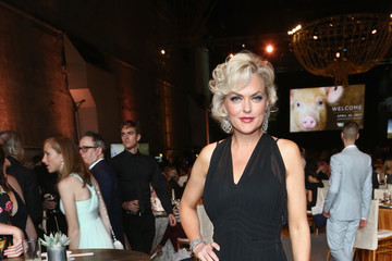 Elaine Hendrix The Humane Society of the United States' to the Rescue Los Angeles Gala - Inside