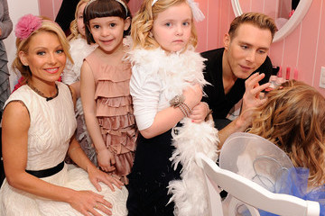 Kristofer Buckle Electrolux Invites Moms And Daughters To Kelly Ripa's Tea Party For A Cause
