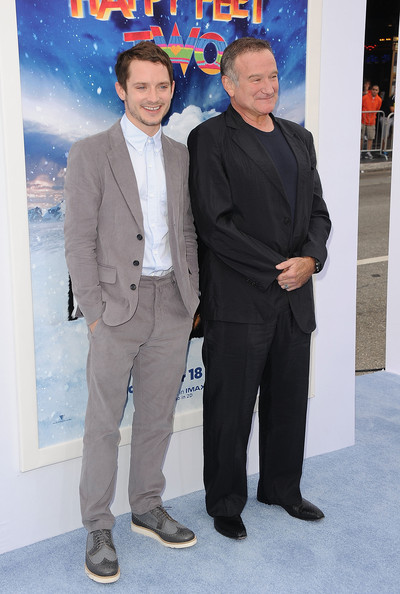 Elijah Wood Actors Elijah Wood and Robin Williams attend the Premiere of Warner Bros. Pictures' 'Happy Feet Two' at Grauman's Chinese Theatre on November 13, 2011 in Hollywood, California.