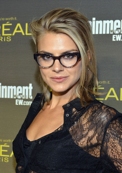 eliza coupe scrubs