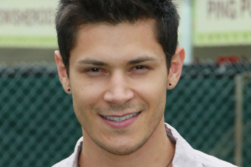 alex meraz height