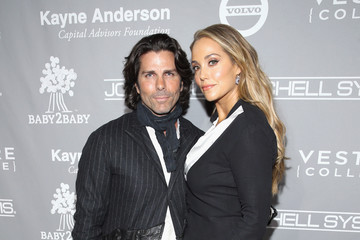 Elizabeth Berkley Fifth Annual Baby2Baby Gala, Presented by John Paul Mitchell Systems - Red Carpet
