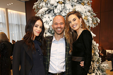 Elizabeth Chambers Brooks Brothers Hosts Annual Holiday Celebration To Benefit St. Jude At West Hollywood EDITION